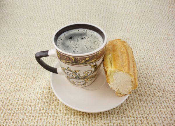 Почему утром нельзя кофе со сладостями фото