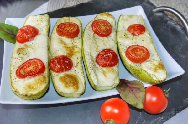 диетические лодочки из кабачков фото