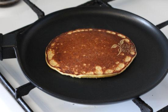 фото пп-панкейки на сковородке