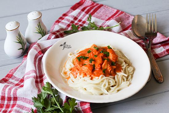 паста с томатным соусом фото готового блюда