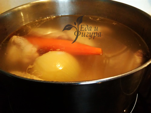 как приготовить куриный бульон фото лука, моркови, крылышек