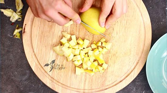 салат из квашеной капусты фото яблока, нарезанного кубиками