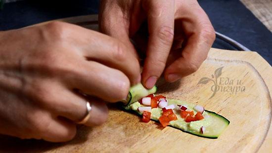 фото как сделать ролл из свежих огурцов
