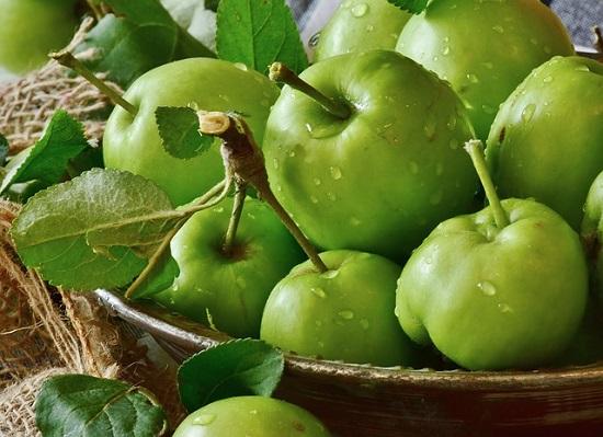 фото с изображением зеленых яблок