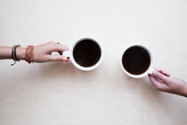 мифы о кофе фото двух чашек кофе