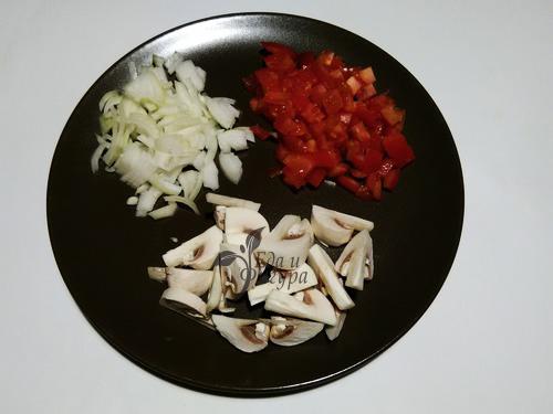 гречка с грибами и овощами фото нарезанных овощей и грибов